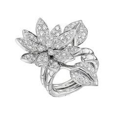 Van Cleef & Arpels Lotus Between-the-Finger Ring