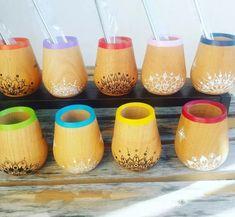 Painted Plant Pots, Cement Art, Foyer Design, Sharpie Art, Posca, Ceramic Painting, Handicraft, Diy And Crafts, Pottery