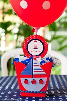 Um luxo em três cores, essa festa está super em alta, lembro que quando eu era criança (não faz tantooo tempo assim maisss) fui par duas ... Cup Crafts, Diy And Crafts, Sailor Theme, Nautical Party, Ideas Para Fiestas, Baby Party, Party Printables, Baby Boy Shower, Halloween Party
