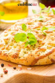 La fougasse aux fromages est à base de pâte à pain. #recette#cuisine#fougasse#fromage Brie