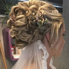 Denne flotte bruden giftet seg forrige helg. Tusen takk for det ærefulle oppdraget, Bente👰🏼❤️🔛 svipe for flere bilder. Frisø Lace Wedding, Wedding Dresses, Amanda, Dreadlocks, Bride, Hair Styles, Gift, Beauty, Instagram
