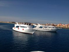 Sunset cruise, anyone? Red Sea, Night Life, Egypt, Places To Go, Cruise, Coast, Vacation, Sunset, Travel