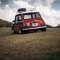 Beautiful day for a trip to the countryside! Mini Cooper S, Mini Cooper Classic, Cooper Car, Classic Mini, Classic Cars, Fancy Cars, Cute Cars, Retro Cars, Vintage Cars