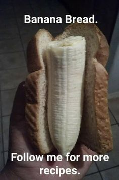 Banana bread pun, the real thing is better Really Funny Memes, Stupid Funny, Funny Stuff, Seriously Funny, Crazy Funny, Dad Jokes, Funny Jokes, Funny Friday Memes, Funny Minion