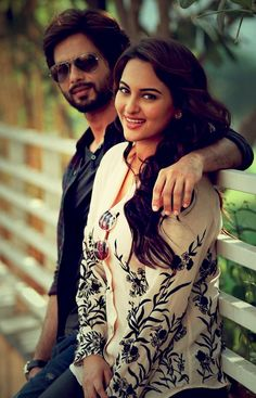 "Sonakshi Sinha and Shahid Kapoor--close as "" I"" wil ever get Cute Celebrities, Indian Celebrities, Bollywood Celebrities, Bollywood Actress, Celebs, Bollywood Fashion, Handsome Celebrities, Shahid Kapoor, Kareena Kapoor"