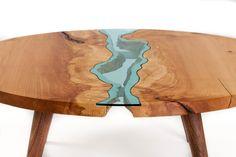 mesa-redonda-artesanal-em-vidro-e-madeira