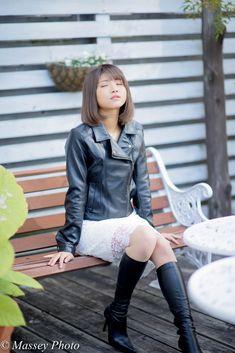 画像 70s Fashion, Korean Fashion, Asian Woman, Asian Girl, Leather Fashion, Leather Outfits, Leather Boots, Black Leather, Leather Jacket