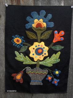 Crane Design by Jan Mott Wool Applique Penny Rug & Punchneedle Patterns: New Fall Oak 'n Berry Wool Applique Pattern Release Wool Applique Quilts, Wool Applique Patterns, Wool Quilts, Wool Embroidery, Felt Applique, Flower Applique, Applique Ideas, Quilt Pattern, Fabric Art