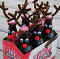Reindeer Beer Kit - Turn a 6-Pack of your Favorite Bottled Beverage into a Cute Christmas Gift. $5.00, via Etsy.