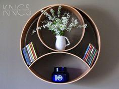 KNCS Classics // Dahu Moon: Wooden Shelf Round von KNCustomShelving