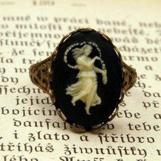 Vintage Zodiac Cameo Ring - Virgo. $17.50, via Etsy.