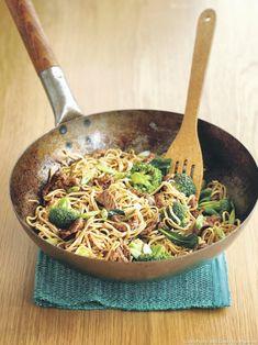 Une recette rapide qui régalera toute la famille. Un fois prêt, on pose le wok au centre de la table. Corvée de vaisselle en moins !