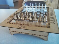 Game+of+Thrones+Chess+board+Lasercut+by+rutech.