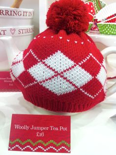 Knitted tea cosy - love this
