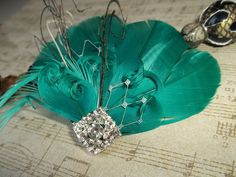 Emerald Green Feather Fascinator Vintage style  by kathyjohnson3