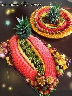 36 Ideas Fruit Platter Display Plates For 2019 Fruit Tables, Fruit Buffet, Party Buffet, Fruits Decoration, High Fiber Fruits, Fruit Plate, Fruit Trays, Fruit Art, Paper Fruit