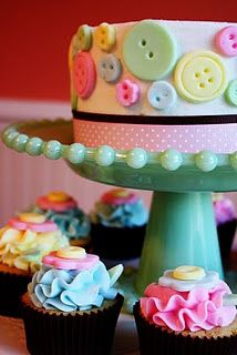 button cake and cupcakes that match well with the lalaloopsy theme Pretty Cakes, Cute Cakes, Beautiful Cakes, Amazing Cakes, Button Cake, Button Cupcakes, Button Button, Button Cookies, Gateaux Cake