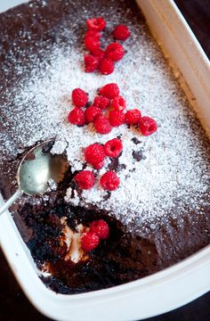 This will definitely chase away those Winter Blues! Make a Brownie-Pudding, cuddle up on the couch with a blanket and a movie and enjoy! No Bake Desserts, Just Desserts, Dessert Recipes, Oreo Layer Dessert, Brownie Pudding, Bread And Butter Pudding, Layered Desserts, Sweet Recipes, Easy Recipes