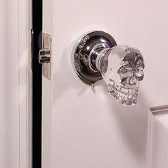 skull doorknob - shut up and take my money