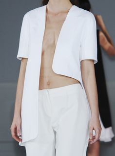 mode-puristes:  Hussein Chalayan