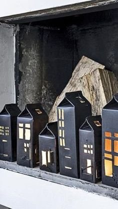 haunted milk carton houses for Halloween Holidays Halloween, Halloween Crafts, Halloween Decorations, Christmas Decorations, Halloween Village, Spooky Halloween, Halloween Tisch, Diy And Crafts, Arts And Crafts
