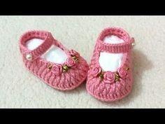 YouTube Crochet Baby Booties, Crochet Slippers, Crochet Shoes, Baby Girl Crochet, Crochet Bebe, Knitting Socks, Baby Knitting, Crochet Stitches, Baby Shoes Pattern