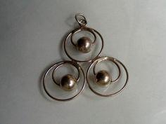 Anheng stemplet 835 + et mestermerke. Måler ca. 4 x 4 cm. Crafting, Pearl Earrings, Necklaces, Pearls, Retro, Jewelry, Design, Pearl Studs, Jewlery