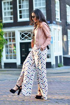 FormulaFarah rockin' the 70's look in Steve Madden heels! #stevemadden #heels #invito #fashion #look #outfit