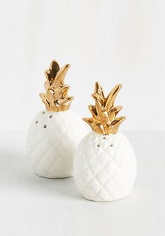 Equator to Your Needs Shaker Set gold and white pineapple salt and pepper shaker set