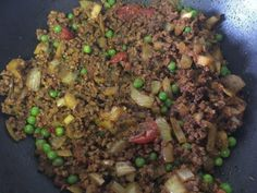 We recently enjoyed a slow cooker beef keema and it was delicious! This is our slow cooker keema curry recipe so you can make it yourself! Slow Cooker Recipes Uk, Uk Recipes, Curry Recipes, Indian Food Recipes, Beef Recipes, Slow Cooker Gammon, Slow Cooker Roast, Slow Cooker Chicken Mushroom, Keema Curry Recipe