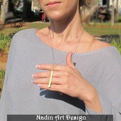 Gravierter Vertikaler Anhänger / Lange Goldkette von NadinArtDesign auf DaWanda.com