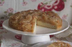 For Rosh Hashana: Romanian Apple Cake Yom Teruah, Yom Kippur, Rosh Hashanah, Apple Cake, Holiday Recipes, Sweet Tooth, Bakery, Favorite Recipes, Shana Tovah