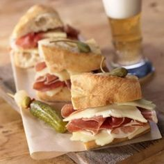 LaTienda.com - Bocadillo Sandwich Kit http://www.tienda.com/food/products/jm-73.html?site=1