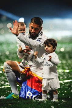 ..._Ramos & sons. The celebration of La Undecima on Bernabeu. REAL MADRID+                                                                                                                                                      Más