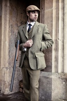 Tweed Hunting Jacket with patch pockets for carrying rounds Moda Country, Country Wear, Country Attire, Country Outfits, Gentleman Mode, English Gentleman, Gentleman Style, Hunting Jackets, Hunting Clothes