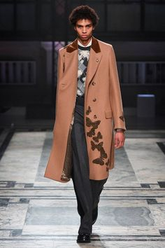 Alexander McQueen Fall/Winter 2016/17 - London Collections: MEN - Male Fashion Trends