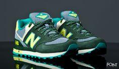 Zapatillas New Balance WL574 TSZ, ya esta aquí la nueva colección de #NewBalance para este #otoñoInvierno2015, esta vez presentando el modelo de zapatillas #newBalanceWL574 en un colorway verde y gris con pequeños detalles en amarillo, visita nuestra #tiendasneaker #thePoint y hazte con tu par http://www.thepoint.es/es/zapatillas-new-balance/1184-zapatillas-mujer-new-balance-wl574-tsz.html