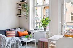 Uma das coisas que eu mais ADORO ver na internet é decoração de espaços pequenos! A gente sabe que, nos dias de hoje, ter uma casa enorme, cheia de quartos, banheiros e um quintal incrível é exceção,