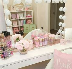 Makeup room on fleek!✨So proud of my girl Susie that just redecorated her beauty room to pure PINK perfection!✨Love seeing all her fairytale brushes displayed in the front!Have a happily pink Wednesday my beauties! Vanity Room, Vanity Set, Vanity Ideas, Girls Bedroom, Bedroom Decor, Master Bedroom, Make Up Storage, Glam Room, Room Planner