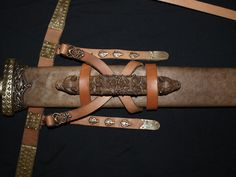 """""""Wikinger, Viking, Schwert, Sword, Beschläge"""" - I think Viking/Saxon style scabbard suspension and fittings would look really cool with the art style and current sword concepts of Mesia"""