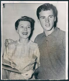 Ricky Nelson, Perry Como, 70s Tv Shows, 70s Music, Bruce Springsteen, Pretty Eyes, Celebs, Celebrities, Historical Photos