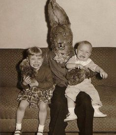 All this bunny business in the 1950s was really just thinly disguised child abuse. Easter Bunny Costume, Creepy Old Pictures, Creepy Pictures, Pictures Images, Weird Old Photos, Funny Vintage Photos, Funny Images, Scary Images, Fail Pictures