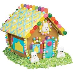 Easter Bunny Cookie House...really, why are gingerbread houses a Christmas thing?  LOL