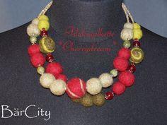 Filzkugelkette*Cherrydream*2-reihig*gefilzt*Filz* von BärCity auf DaWanda.com