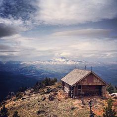 jaredm: Fire station atop Black Butte (Oregon) I highly recommend this hike, just outside of Sisters, Ore.