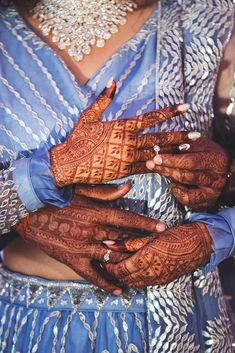 Ways to Take Social Media Worthy Photos of your Engagement Ring Engagement Ring Pictures, Buying An Engagement Ring, Engagement Rings, Dulhan Mehndi Designs, Best Mehndi Designs, Meaningful Photos, From Miss To Mrs, Ring Tattoos, Romantic Moments