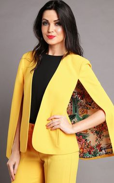 Love lined contrast Cape Blazer Pattern Tutorial Cape Pattern, Blazer Pattern, Jacket Pattern, Blazer Outfits, Blazer Fashion, Hijab Fashion, Fashion Dresses, Cape Jacket, Cape Coat