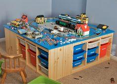 Organize your kids toys with Lego Storage Idea .- Organisieren Sie Ihre Kinder Spielzeug mit Lego Storage-Ideen Organize your kids toys with Lego Storage ideas - Train Table, Lego For Kids, Lego Room, Toy Rooms, Craft Rooms, Kid Spaces, Legos, Kids Playing, Kids Toys