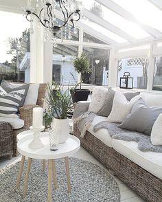 Utestova Fint å sitte her med kaffien når våren lar vente på seg☕️ God tirsdagskveld✨ Hope you all have a nice evening✨ #interior4all #interior125#myhome #outdoors #eleganceroom #shabbyyhomes #interior #boligdrøm #maisoninterior #inspohome #classyinteriors #passion4interior #kava_interior #interior123 #vakrehjemoginteriør #charminghomes #dream_interiors#interior4you #interiorstyled #innredningsdesign #hem_inspiration #mynorwegianhome#inspiration #interior_and_living #interior_delux#in...