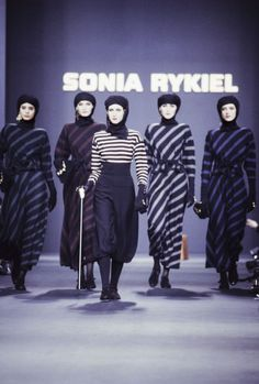 Models wear striped knit dresses at Sonia Rykiel's fall 1989 show in Paris. French Fashion Designers, Paris Shows, Sonia Rykiel, Brigitte Bardot, Striped Knit, 80s Fashion, Knit Dress, 1980s, Street Style